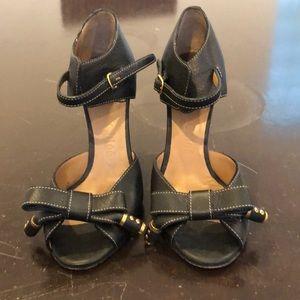 Chloe black textured leather wedges